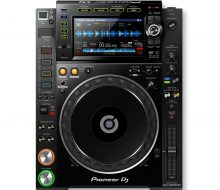 CDJ 2000NXS2 Professional DJ multi player with disc drive